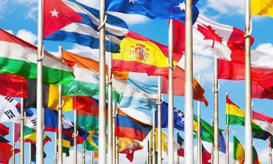 conjuntito de banderas - testamento en el extranjero